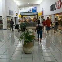 Foto scattata a Plaza Dorada da Andres G. il 6/27/2012
