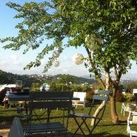 6/15/2012 tarihinde Aslihan S.ziyaretçi tarafından Backyard'de çekilen fotoğraf