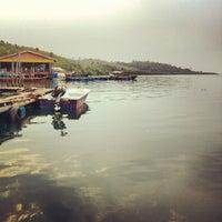 Снимок сделан в Kelong Restaurant Aneka Rasa пользователем Jimmy T. 9/4/2012
