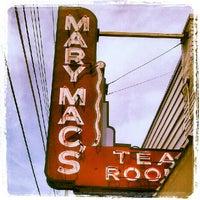 Das Foto wurde bei Mary Mac's Tea Room von Amy M. am 6/9/2012 aufgenommen
