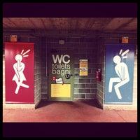 Das Foto wurde bei Stazione La Spezia Centrale von Costanza G. am 4/29/2012 aufgenommen