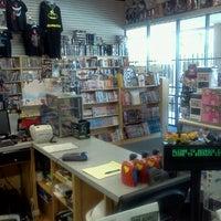 8/20/2012にAaron G.がBedrock City Comic Co.で撮った写真