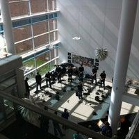 รูปภาพถ่ายที่ Tyler School of Art โดย Jerry H. เมื่อ 2/21/2012