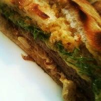 Photo prise au Royal Burger par Felipe S. le5/30/2012