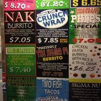 Das Foto wurde bei Trujillo's Taco Shop von Luis D. am 5/22/2012 aufgenommen