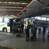 Foto tomada en Terminal de Buses San Borja por Cassandra R. el 9/2/2012