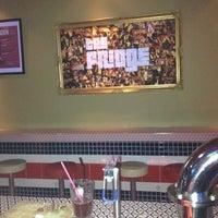 Foto diambil di The Fridge oleh Yann D. pada 7/4/2012