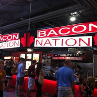Photo prise au Food Building par Le T. le8/26/2012