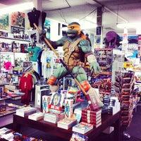 Снимок сделан в Meltdown Comics and Collectibles пользователем Tim G. 6/16/2012