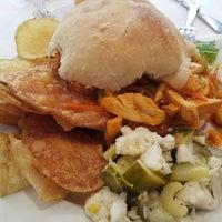 Foto tirada no(a) E.Leaven Food Company por Mike P. em 8/28/2012