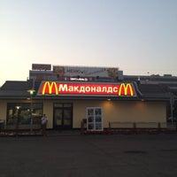 Снимок сделан в McDonald's пользователем Lexa F. 7/29/2012