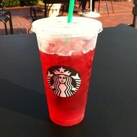 7/7/2012 tarihinde Mick W.ziyaretçi tarafından Starbucks'de çekilen fotoğraf