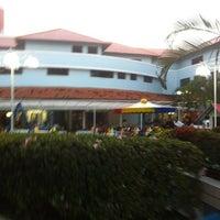 Foto tirada no(a) Shopping Millennium por Rodrigo S. em 8/3/2012