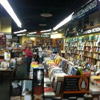 Снимок сделан в Bookshop Santa Cruz пользователем Dilan S. 7/26/2012