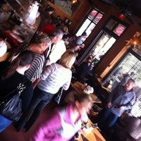 Photo prise au Empire Cafe par Rick M. le2/26/2012