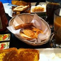Photo prise au Café El Dorado par Mk P. le8/6/2012