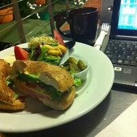 Foto tomada en Kofetárica Café por Clódia el 4/4/2012