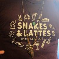 Foto tirada no(a) Snakes & Lattes por Elitsa M. em 7/8/2012