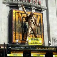 Das Foto wurde bei Dominion Theatre von Letlet M. am 8/18/2012 aufgenommen