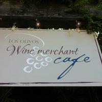 Das Foto wurde bei Los Olivos Wine Merchant Cafe von Katrin am 8/29/2012 aufgenommen