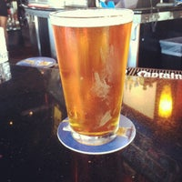 Foto tomada en On Deck Sports Bar & Grill por Kevin P. el 8/31/2012
