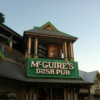Foto tomada en McGuire's Irish Pub of Destin  por Michael B. el 4/7/2012