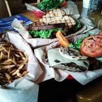 Foto tomada en Kua'āina Sandwich por Bryan L. el 6/26/2012