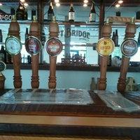 Foto scattata a Lift Bridge Brewing Company da Mel F. il 8/31/2012