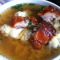 2/12/2012 tarihinde Mano P.ziyaretçi tarafından Sang Kee Peking Duck House'de çekilen fotoğraf