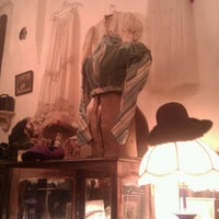 Снимок сделан в Rosebud Vintage пользователем Munira A. 3/25/2012