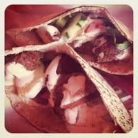 Foto scattata a Tsom Vegetarian Flavors da Lee-ann D. il 7/24/2012