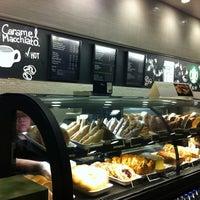 Снимок сделан в Starbucks пользователем Marco S. 4/19/2012
