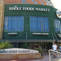 รูปภาพถ่ายที่ Coffee Bar @ Whole Foods Market โดย Addy เมื่อ 7/29/2012