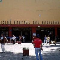 Foto tirada no(a) Registro Civil por Gerardo F. em 8/1/2012