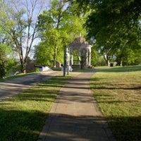 Снимок сделан в Columbus Historic District пользователем Meghan R. 6/15/2012