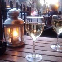 Foto scattata a Pinkerton Wine Bar da Rachel W. il 4/13/2012