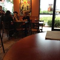 Снимок сделан в Taco Bell пользователем Dan 6/18/2012