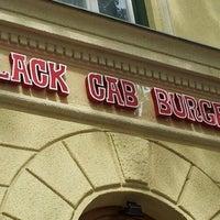 Das Foto wurde bei Black Cab Burger von Szlaukó R. am 6/10/2012 aufgenommen