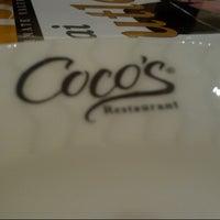 รูปภาพถ่ายที่ Coco's Restaurant โดย Violeta D. เมื่อ 9/12/2012
