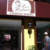 Foto tirada no(a) Los Habanos por 💀Jader S. em 4/14/2012