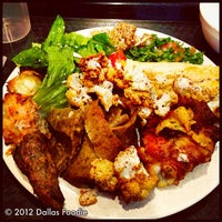 Photo prise au Afrah Mediterranean Restaurant & Pastries par Dallas Foodie (. le5/11/2012