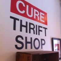 8/17/2012에 Rye R.님이 Cure Thrift Shop에서 찍은 사진