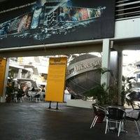 Photo prise au Limkokwing University of Creative Technology par Zaid A. le6/21/2012