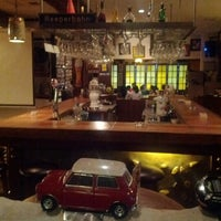 Снимок сделан в Die Stube German Bar & Resto пользователем Jose Luis M. 5/19/2012