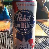 Das Foto wurde bei Mahoney's Pub & Grille von Renee R. am 5/17/2012 aufgenommen