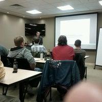 รูปภาพถ่ายที่ W3i โดย Joel D. เมื่อ 4/11/2012