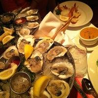 7/21/2012 tarihinde Yearim C.ziyaretçi tarafından Shaw's Crab House'de çekilen fotoğraf