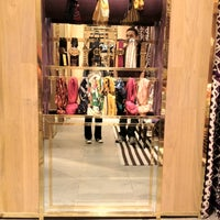 39a38b37310e ... Photo taken at Tory Burch by MiniME on 4 3 2012 ...