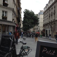 Photo prise au Café Père & Fils par Andrey D. le6/13/2012