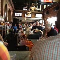 8/12/2012 tarihinde janice r.ziyaretçi tarafından JR's Bar & Grill'de çekilen fotoğraf